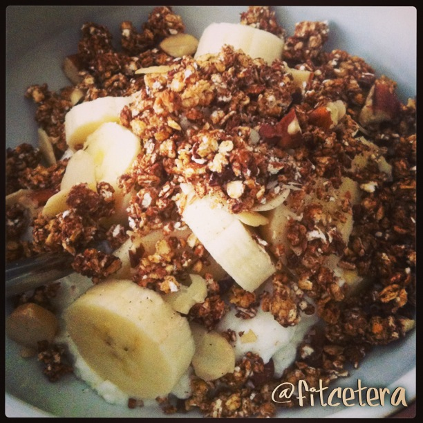 My finished breakfast with 0% fat Greek yoghurt, sliced banana, and super easy sugar-free granola.