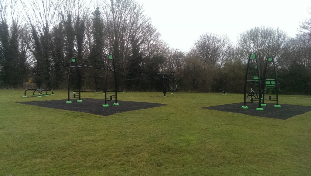 Outdoor Gyms For a Free Workout